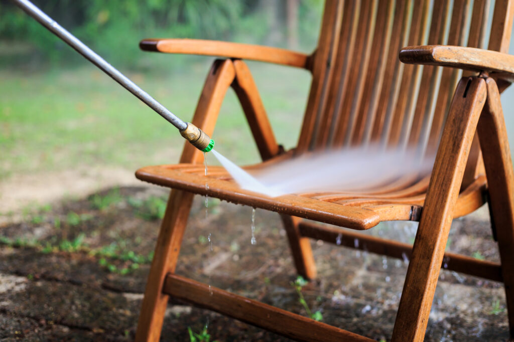 outdoor furniture cleaning